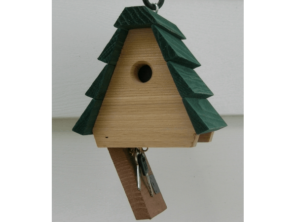 birdhouse for keys