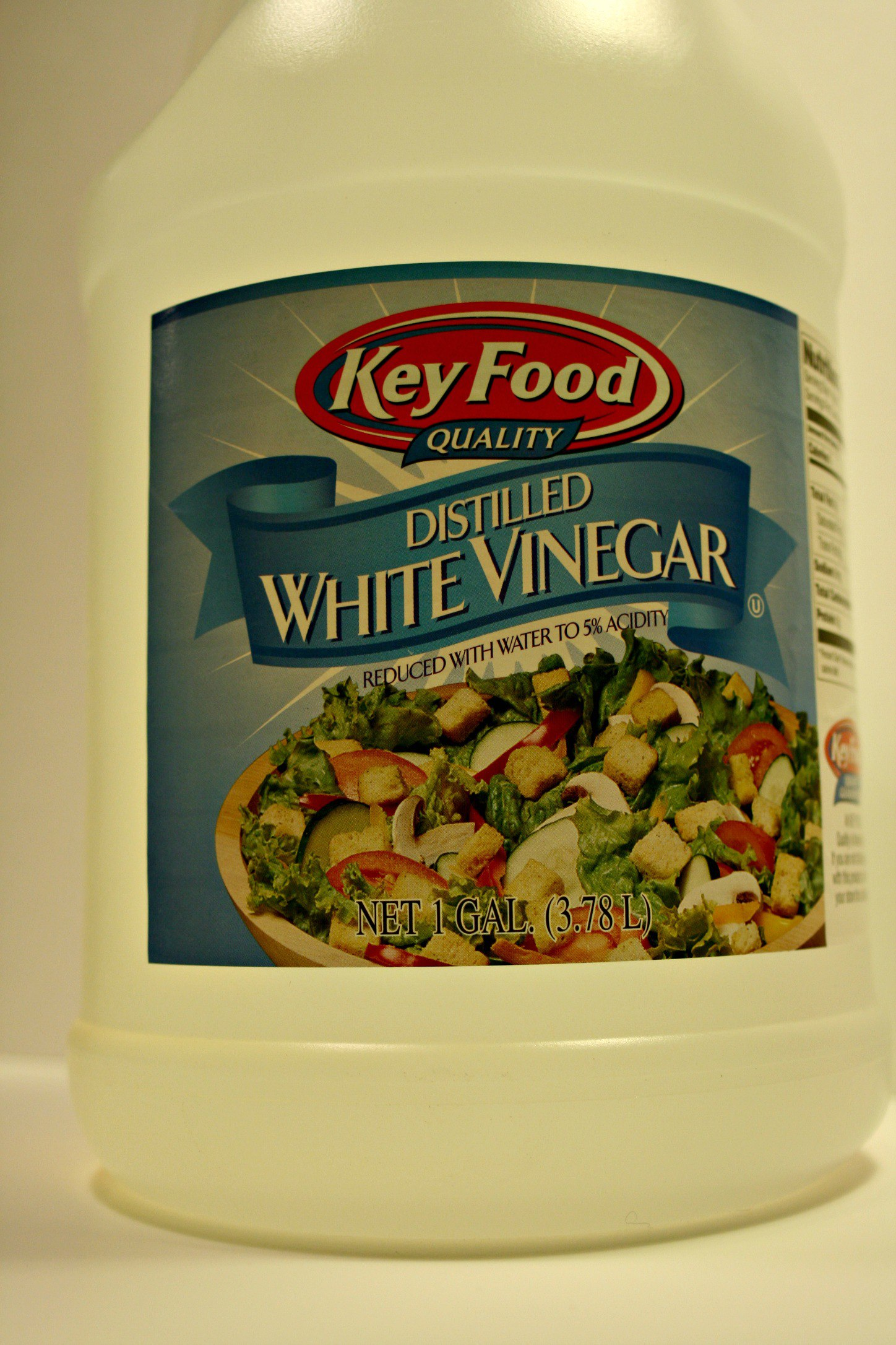 10 ways to clean with vinegar around the house