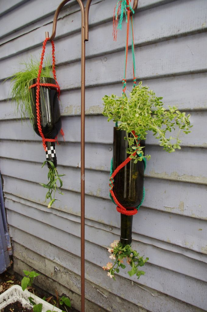 Creative planters for How to cut the bottom off a wine bottle easily