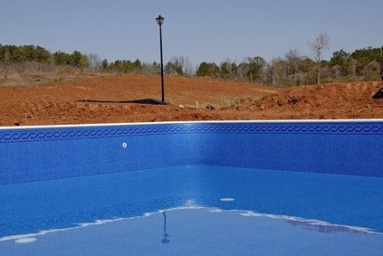 Hiring A Contractor To Change Your Pool Lining