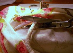 making of a decorative pillow slipcover 020 800