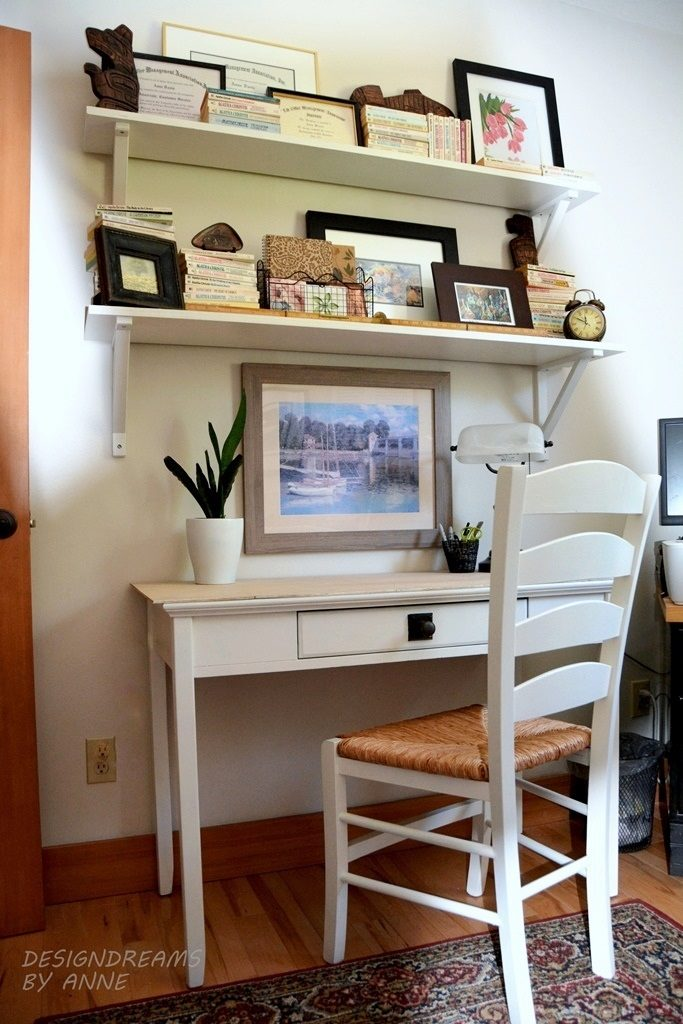laptop-desk-open-shelves